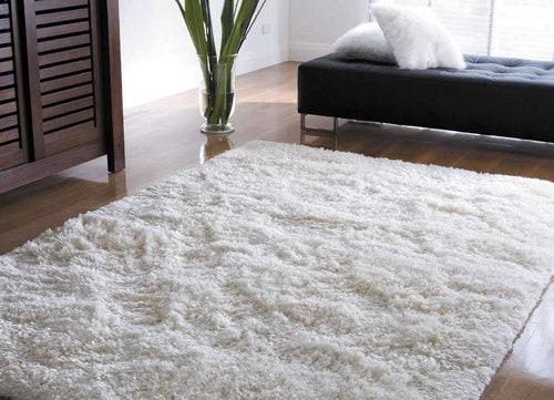 Текстильные изделия и ковры в домке